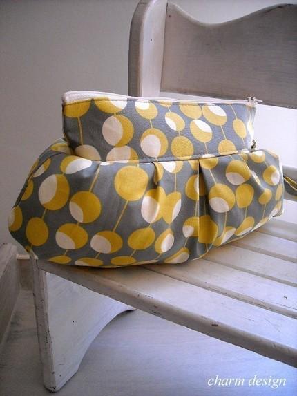 charm design yellow dot zipper pouch