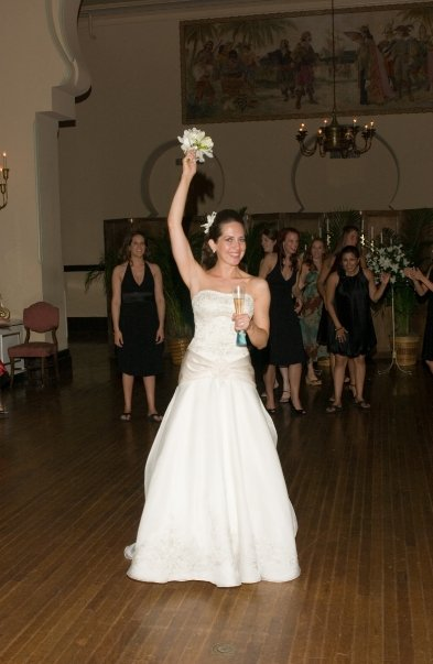 kristin's bouquet toss