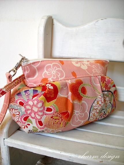 charm design plum in pink zipper pouch