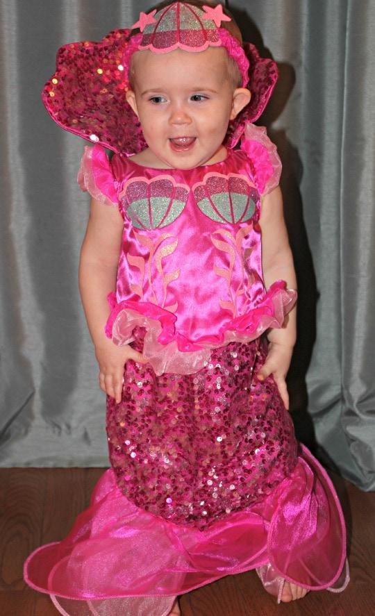 "<a href=""https://www.taketimeforstyle.com/wp-content/uploads/2013/09/mermaidbabygirl2.jpg""><img class=""alignnone size-full wp-image-27360"" title=""mermaid costume"" src="