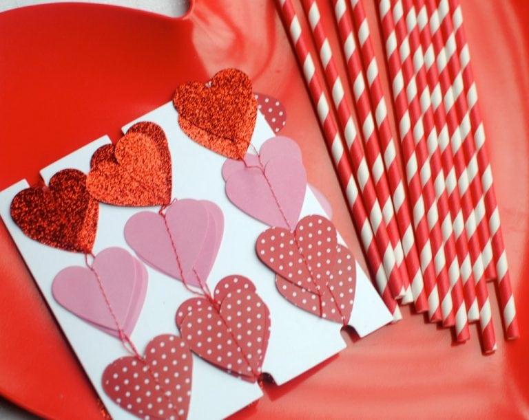 Tis' the Season Link Up: Easy Valentine's Day Desserts Decorating