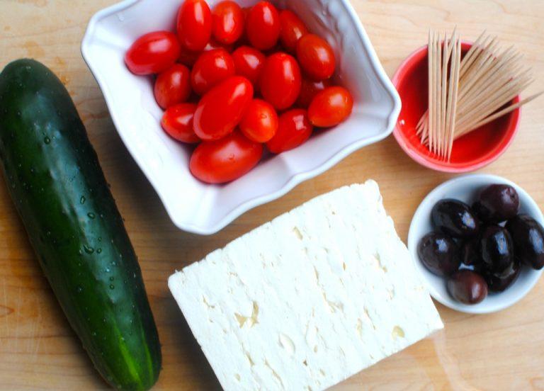 'Tis the Season Link Up: Greek Salad Skewers