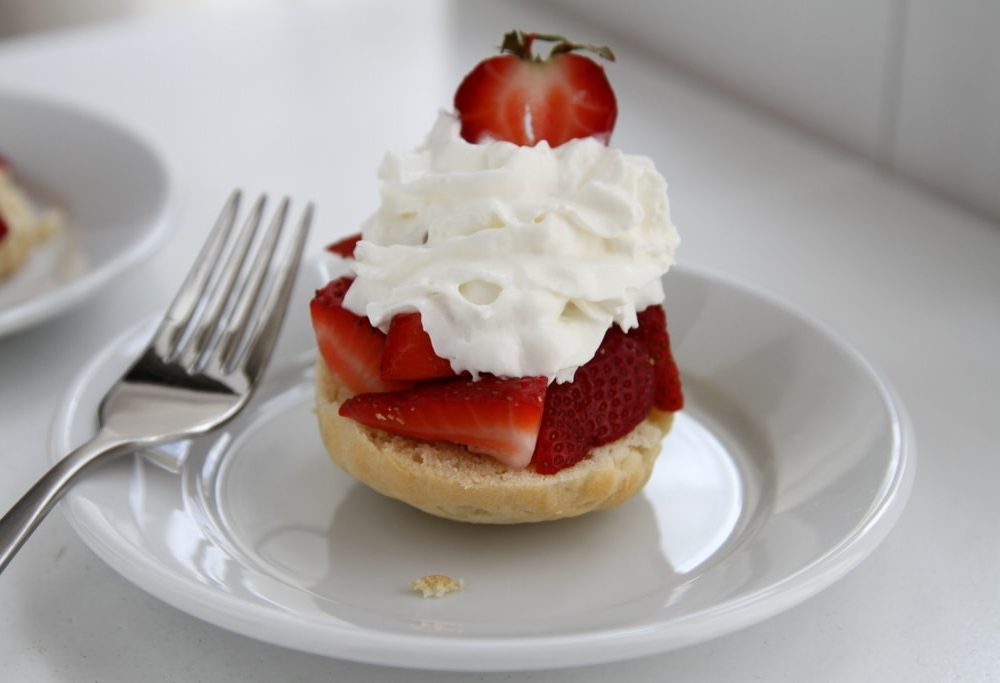 5 minute Strawberry Shortcake