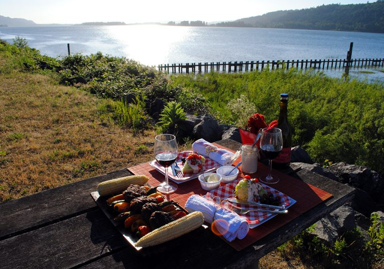 How to Pack For a Great Picnic