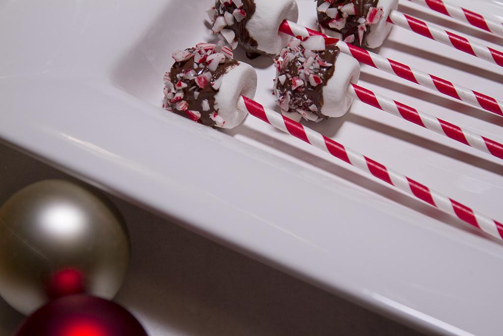 Holiday Marshmallow Pops