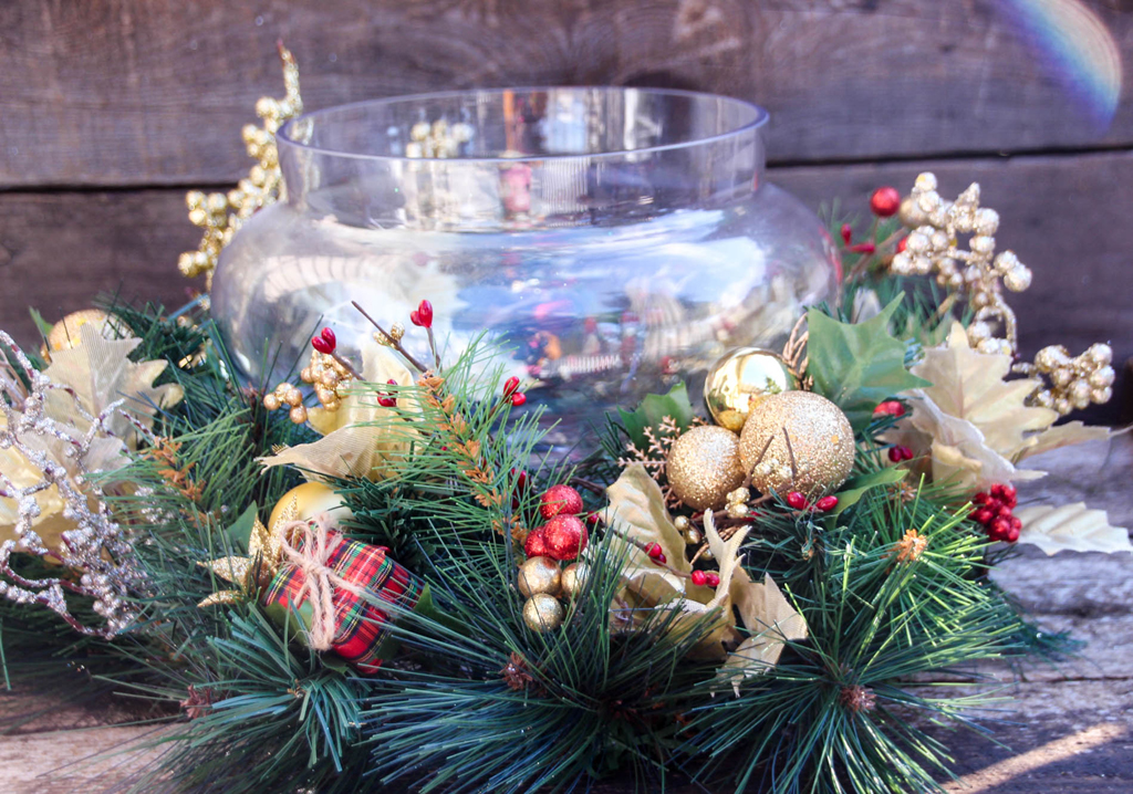 Red Gold Christmas Centerpiece w Jar