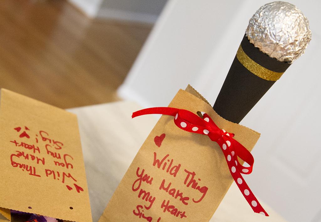 Microphone Hershey Valentine
