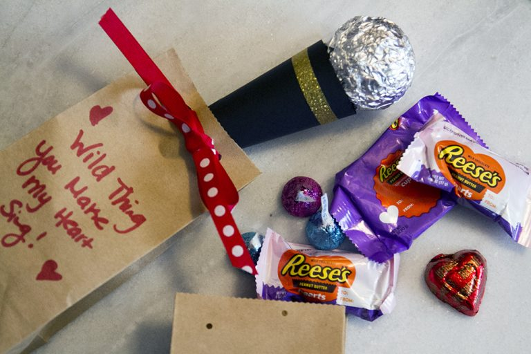 DIY Microphone Valentines with Hershey's