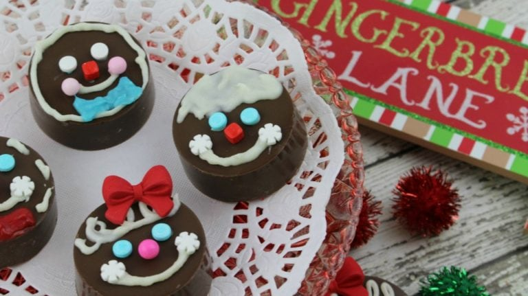 The Cutest Gingerbread Oreo Cookies