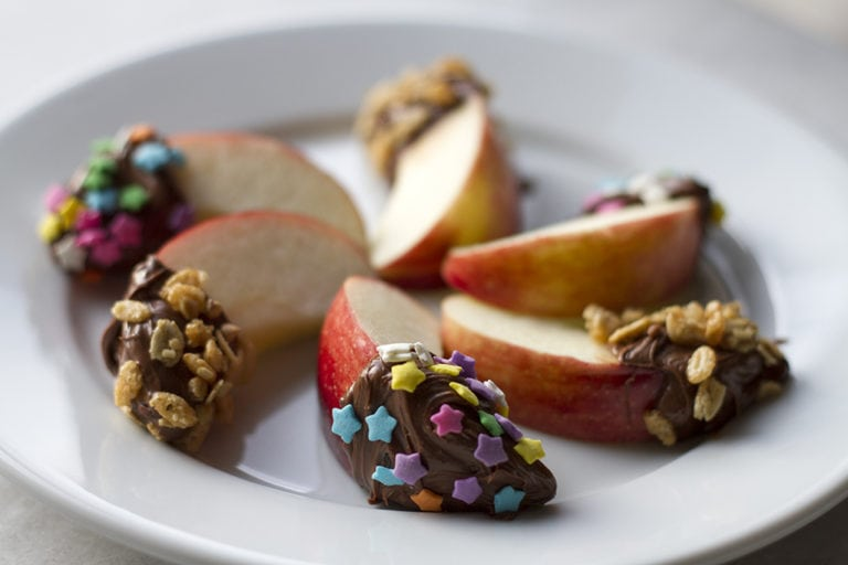 Easy Apple Snack with Nutella