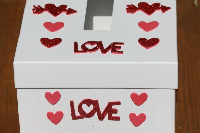 Easy DIY Classroom Valentine Box