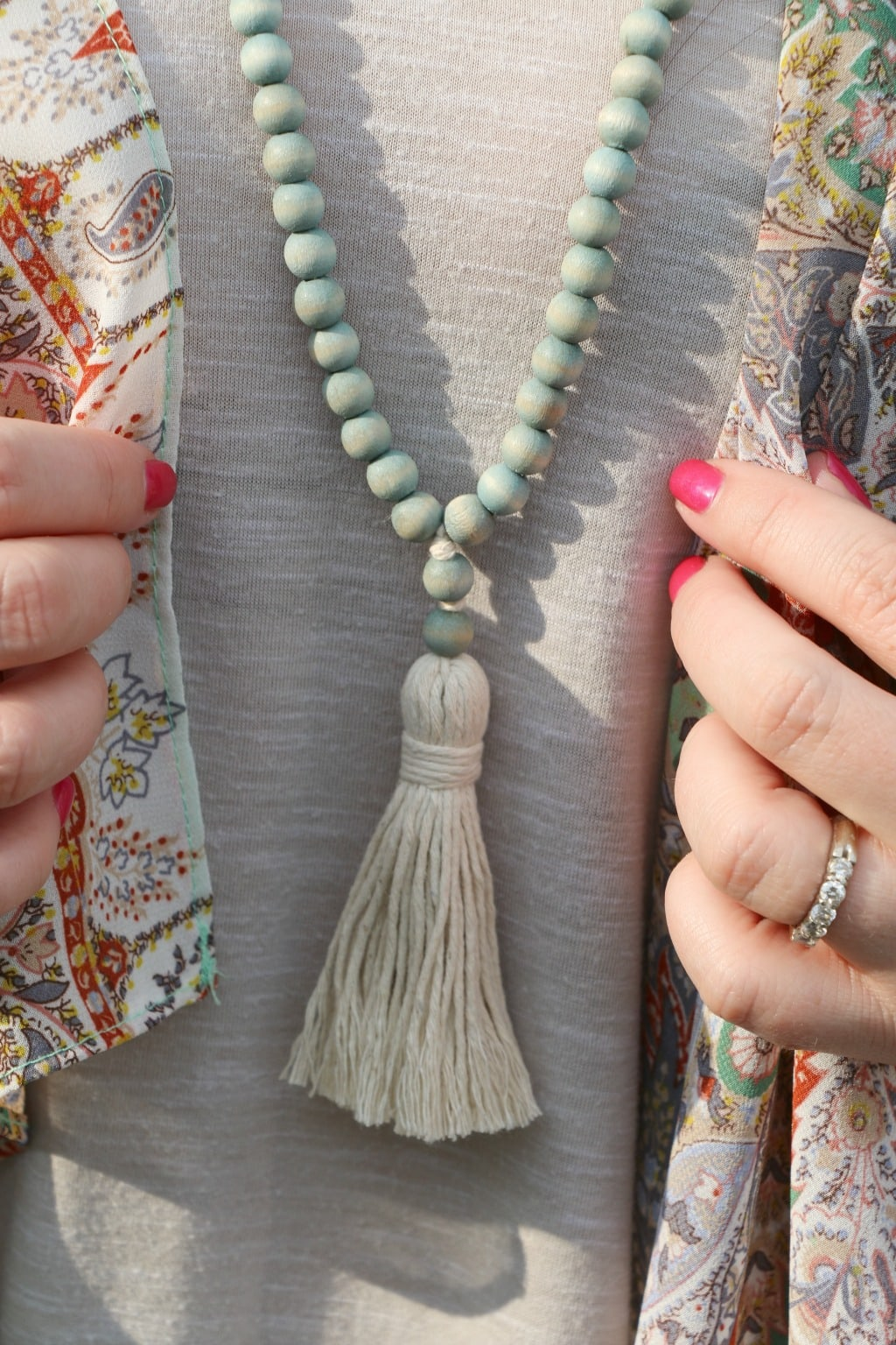 tassel necklace outfit