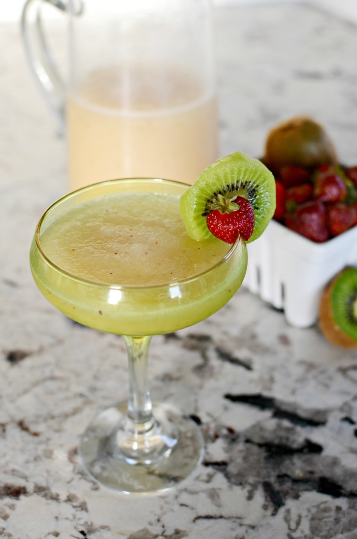strawberry kiwi lemonade margarita