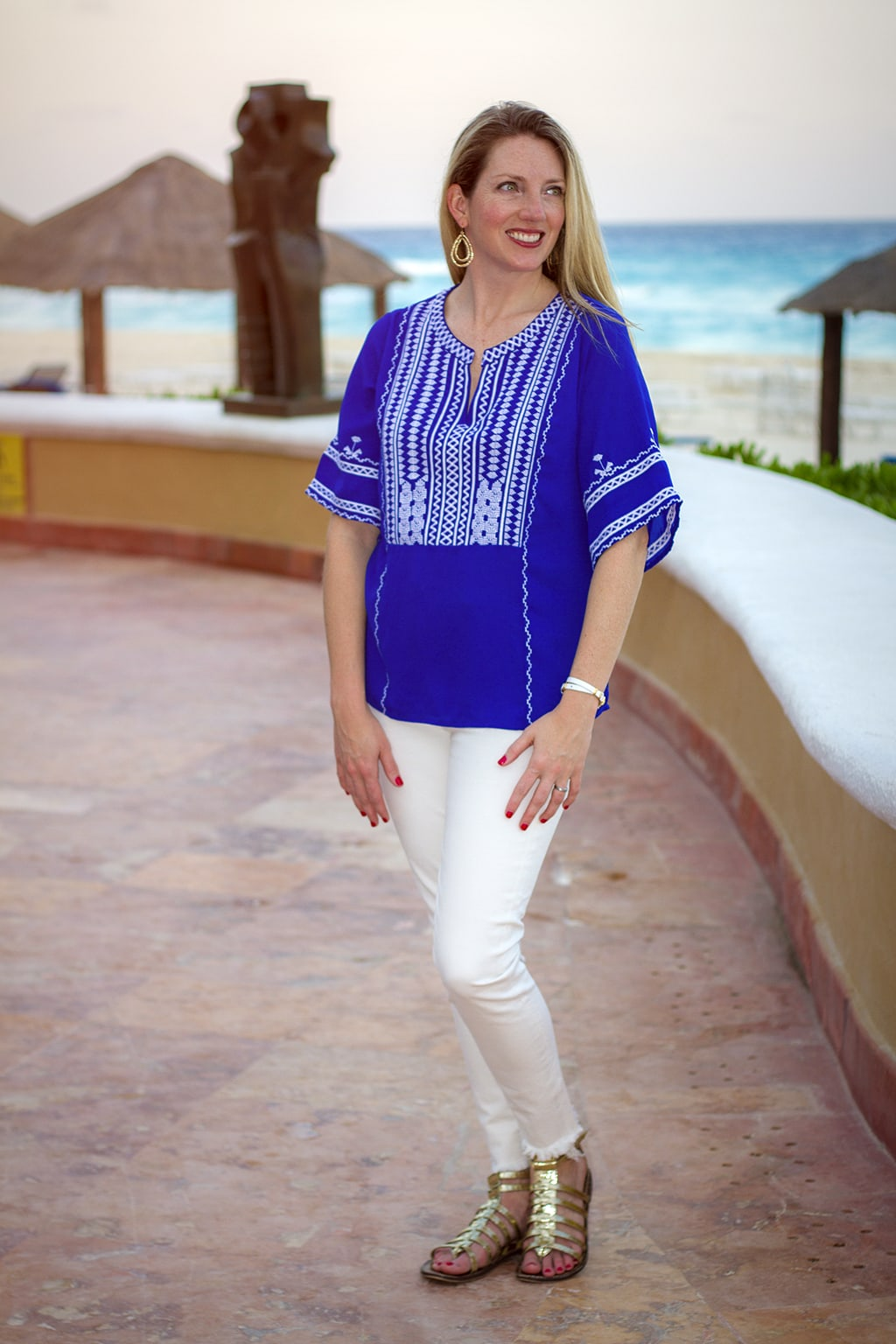 white jeans summer look