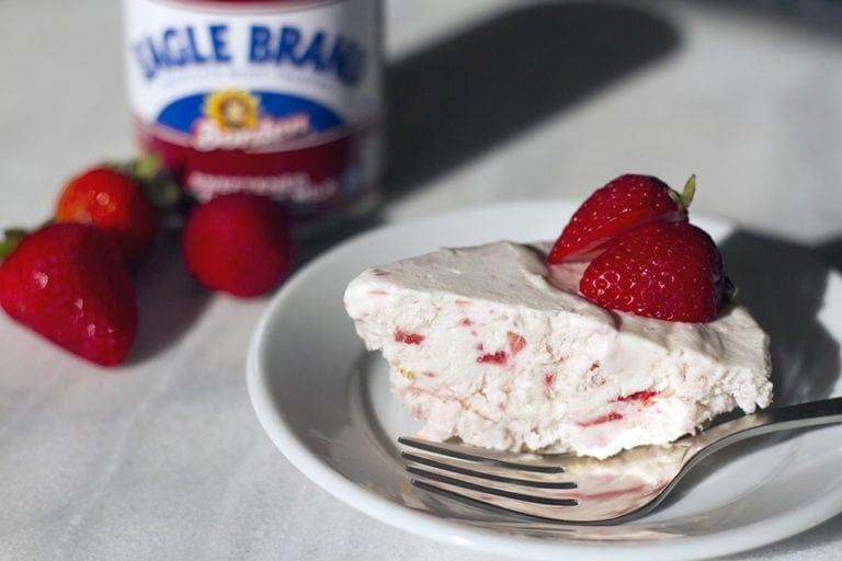 Simple Frozen Strawberry Pie Recipe
