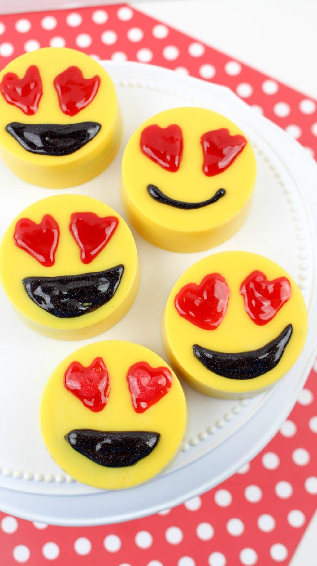 Printable Emoji Valentine S Day Cards Take Time For Style