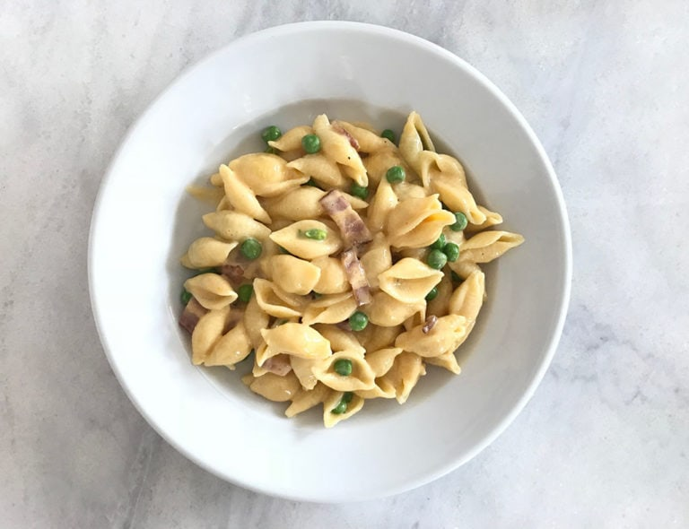 Easy Family Dinner, Cheesy Pasta with Bacon and Peas