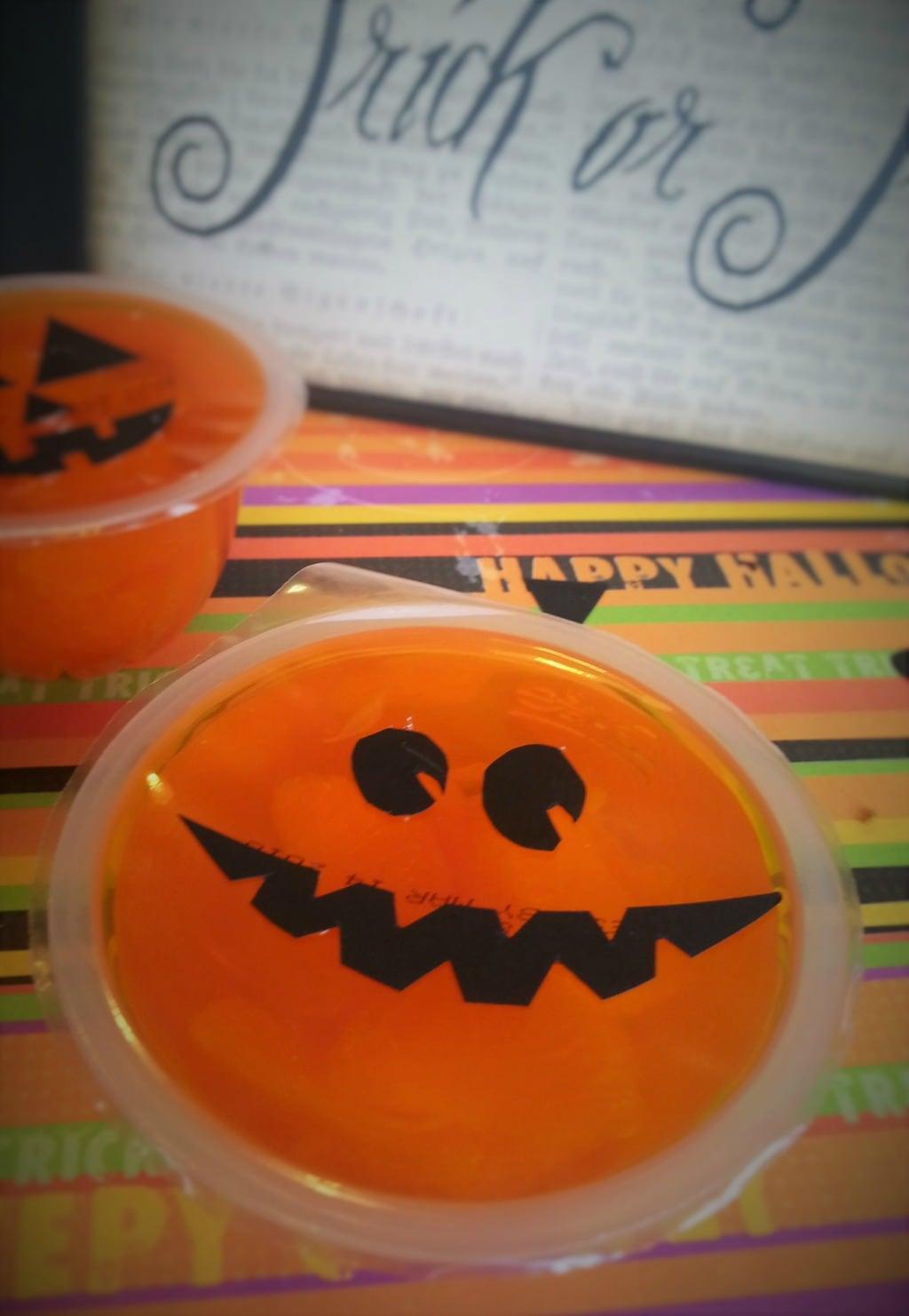 easy diy halloween snack cups