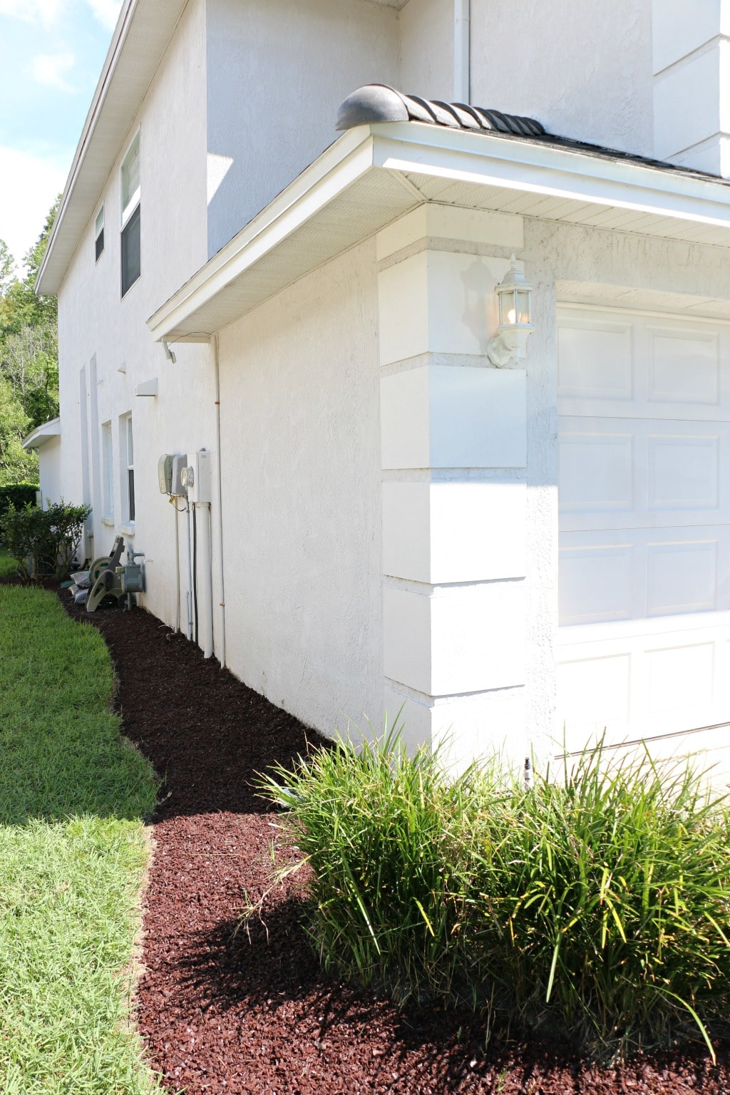 side of house mulch