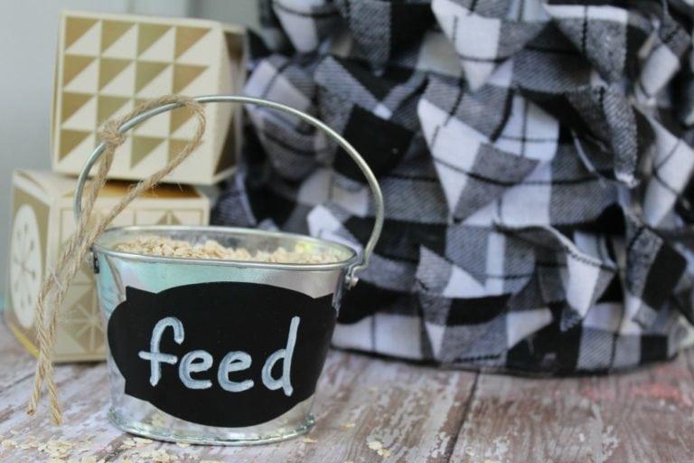 DIY Farmhouse Bucket and Reindeer Feed Craft