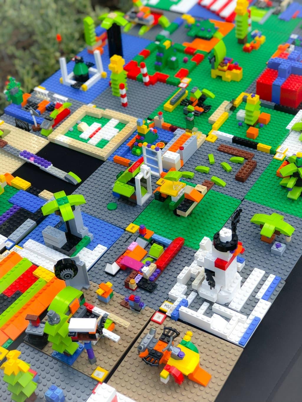 group lego build