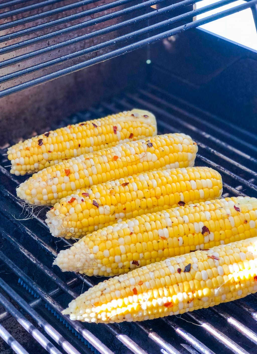 grilled corn on gas grill