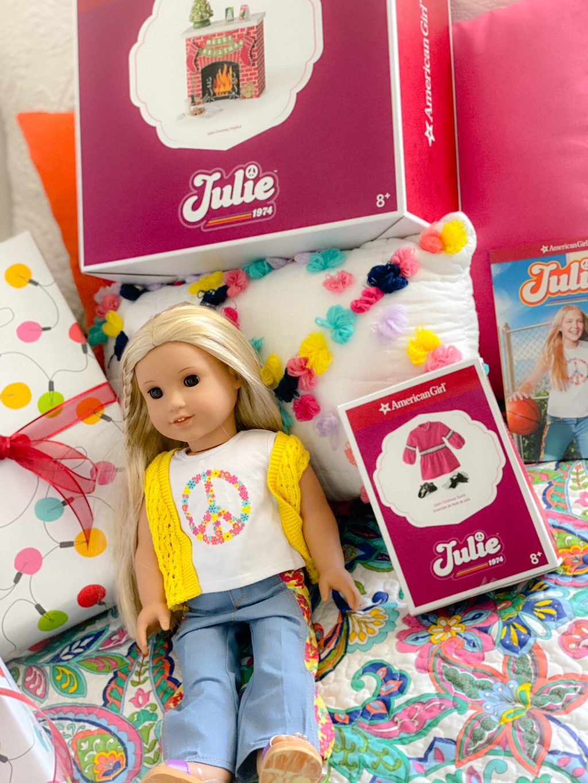 American Girl Julie accessories