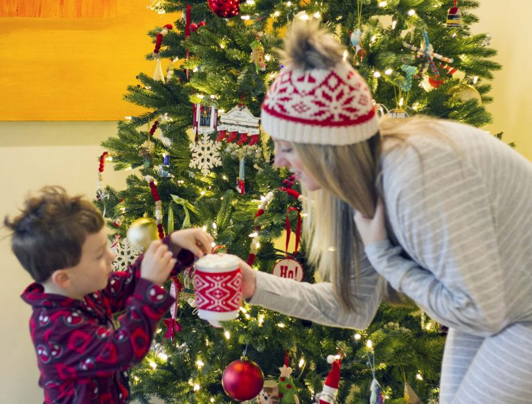 25 Free or Low Budget Christmas Activities
