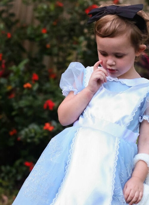 Mommy and Me Halloween Costume: Alice in Wonderland