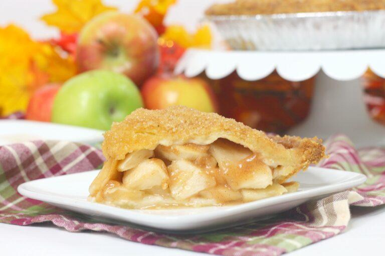 Simple Bourbon Apple Pie Recipe
